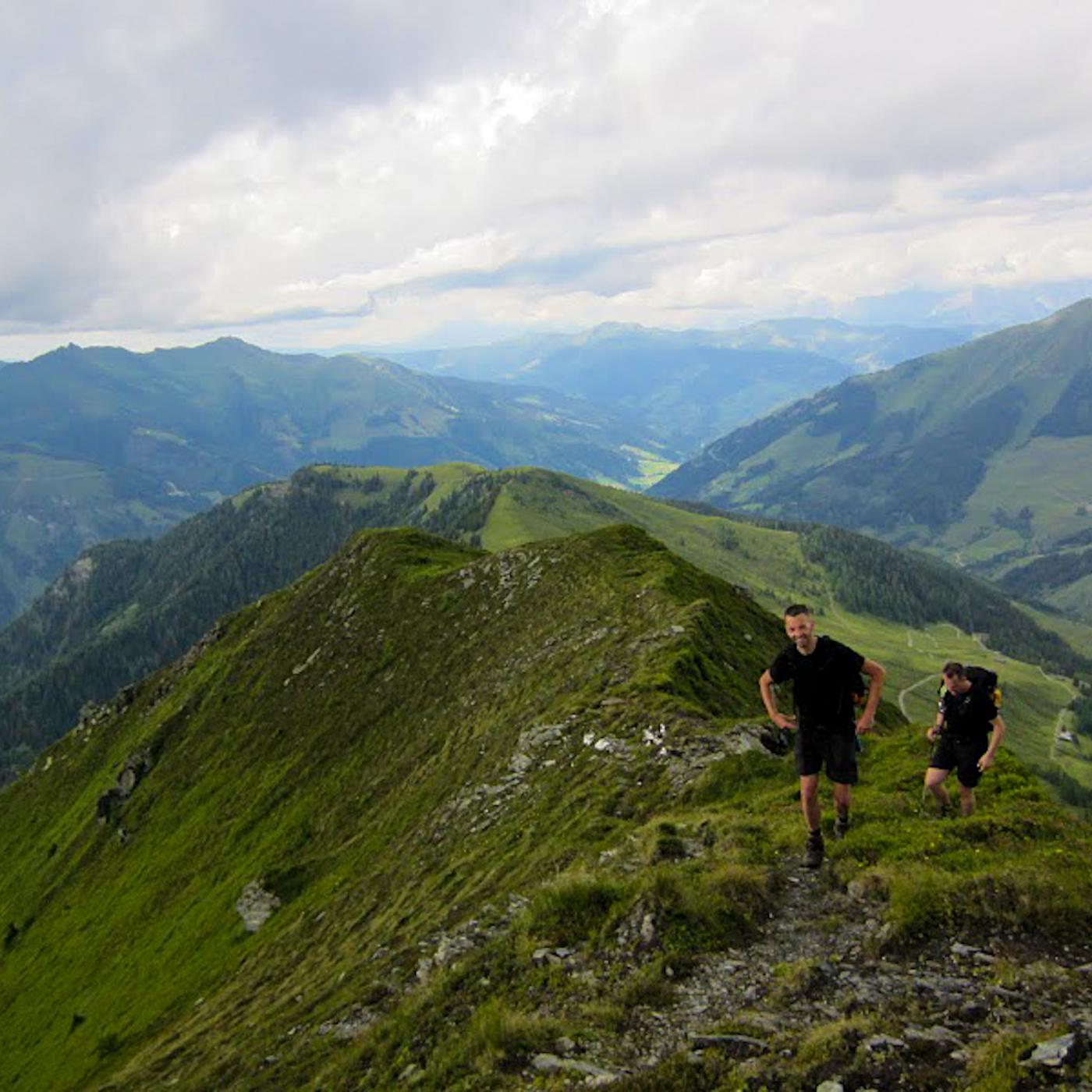 Een beklimming in beeld het geheim van de berghut - Berghut foto ...